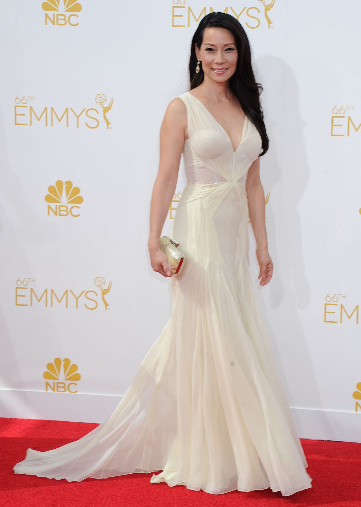 lucy-liu-at-66th-annual-primetime-emmy-awards_5