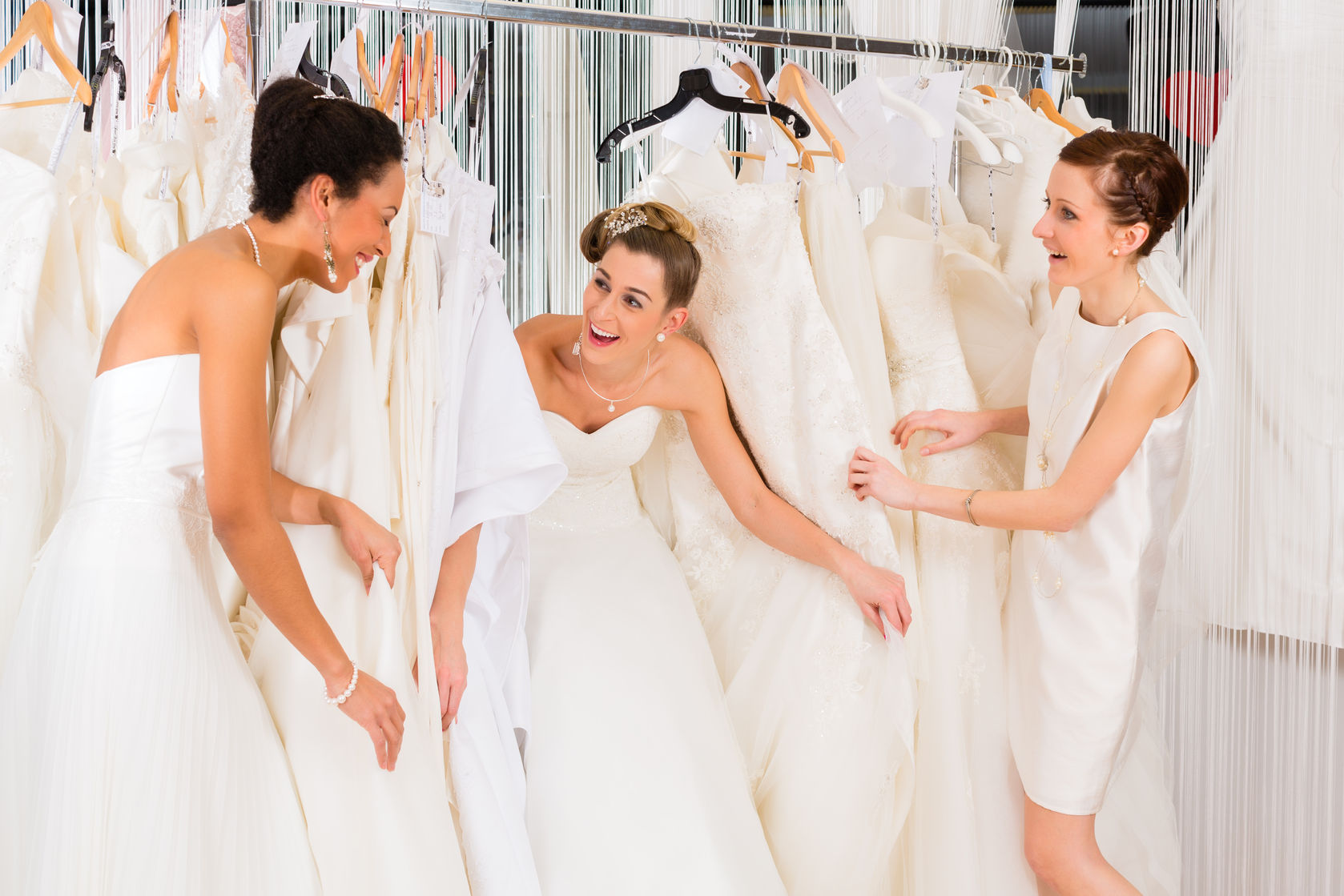 """HOW MUCH TIME DO I NEED TO SAY """"YES"""" TO MY WEDDING DRESS! - World ..."""