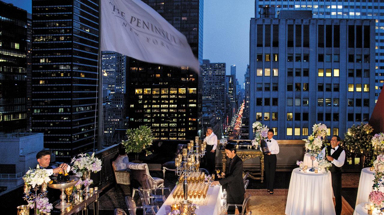 Peninsula Moments Rooftop