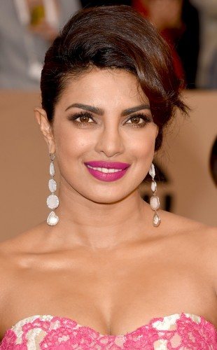 Priyanka-Chopra-SAG-Awards-Beauty.0116