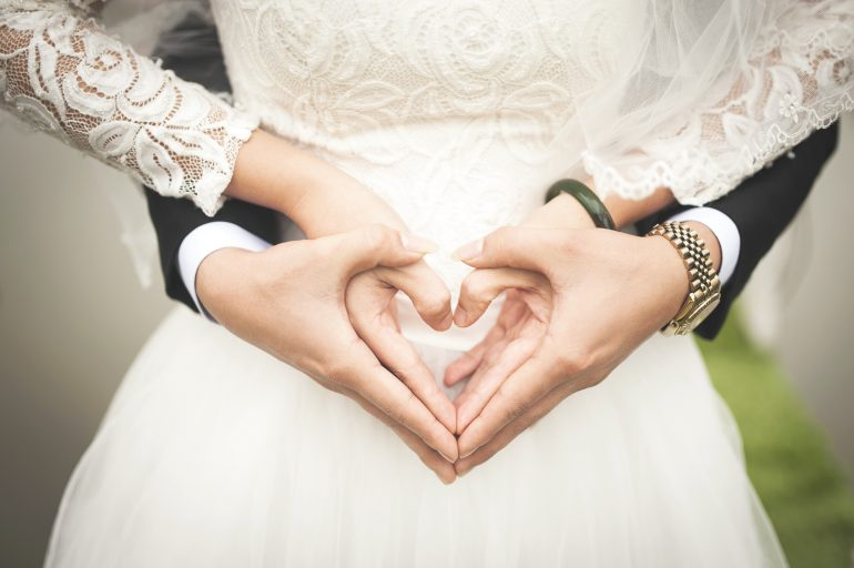 10 Incredible Wedding Traditions From Around The Globe World